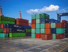 Малайзия отправила 11 контейнеров пластикового мусора обратно в Канаду