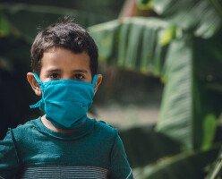 В канадском городе ввели обязательное ношение масок для детей старше 2 лет