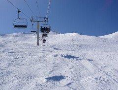 На въездах в горнолыжки Ванкувера огромные пробки, несмотря на ограничения COVID-19