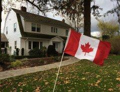 Эксперты зафиксировали самые высокие цены на жильё в Канаде за последние 30 лет