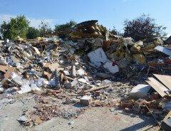 Пьяная женщина за рулем автомобиля врезалась в стену дома в Онтарио, что спровоцировало взрыв газа