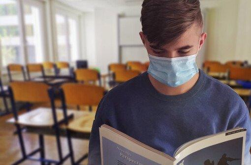 """Учителя Британской Колумбии попросили родителей """"поддержать культуру ношения масок"""""""