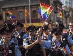 """UBC не примет участия в гей-параде из-за """"трансофобной"""" речи студента"""