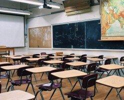 Учителя и родители выступают против плана Британской Колумбии по возвращению в школы