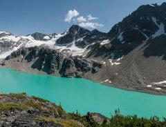 Озеро Веджмаунт (Wedgemount Lake)
