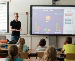 В Британской Колумбии учителя начали учебный год без контрактов