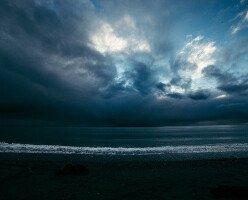 На Канаду идет тропический шторм Исайяс, который принесет большие осадки
