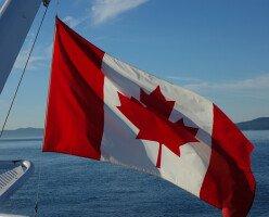 Граница между Канадой и США останется закрытой еще на 1 месяц