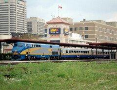 VIA Rail закрыла пассажирское сообщение в Канаде из-за блокады ж/д путей