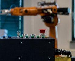Зеленые представили «налог на роботов» для решения проблемы автоматизации труда