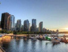 Набережная Coal Harbour в Ванкувере