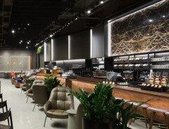 В Ванкувере открыли самый большой Starbucks в Канаде