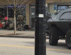 В Канаде в ответ на сообщение о мужчине с пистолетом приехал бронетранспортер