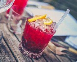 В некоторых общественных местах Ванкувера теперь можно употреблять алкоголь
