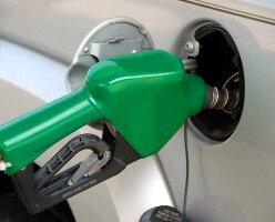 В Канаде летом цены на бензин останутся низкими