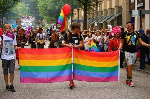 Канада выплатит компенсации 718 жертвам гей-зачистки
