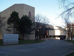 Католический совет Торонто добавил термин гендерной идентичности в Кодекс поведения