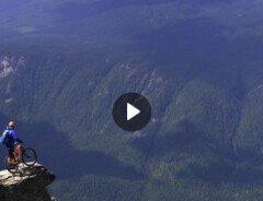 На велосипеде по красивым местам Британской Колумбии (ВИДЕО)