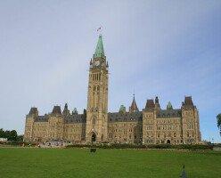 Большинство канадцев считают, что общество «разрушено», а политики не заботятся о них