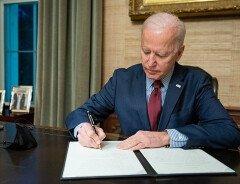 Официальные лица США призвали Байдена открыть канадско-американскую границу к июлю