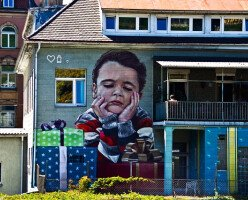 Большинство канадцев озабочены ценами на уход за детьми и на доступное жилье