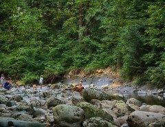 Прибрежная полоса парка Канака (Kanaka Creek Riverfront)