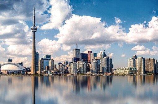 """Канада заняла 1-е место среди """"самых желанных для переезда"""" стран"""