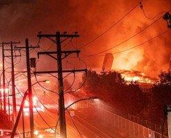 Пожар уничтожил часть набережной в Нью-Вестминстере
