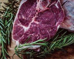 Канаде и США из-за пандемии COVID-19 угрожает нехватка мяса
