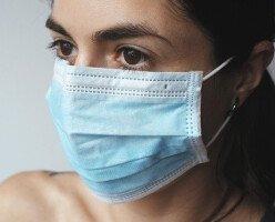 В Канаде семью оштрафовали за продажу медицинских масок по завышенным ценам