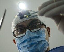 """Офтальмолог из Торонто выплатит $5,6 млн за """"небрежную"""" коррекцию зрения"""