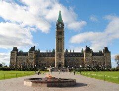 Опрос: Канадцы недовольны работой Джастина Трюдо и либерального правительства