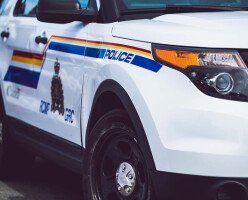 В Канаде на двух полицейских намеренно покашляли во время ареста