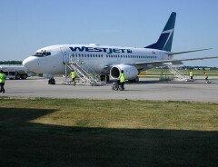 Канадские авиалинии откажутся от физического дистанцирования на рейсах с 1 июля