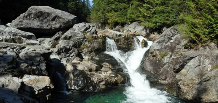 Водопады Виджн (Widgeon Falls)