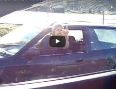 Карма настигла наглого водителя в Ванкувере (ВИДЕО)