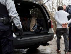 Большинство тех, кто незаконно пересекает границу Канады, изначально хотели сюда попасть