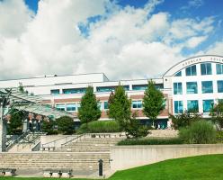 Колледжи Канады: Douglas College