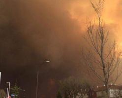 Огромный лесной пожар в Альберте: 60,000 людей срочно эвакуированы