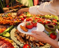 6 ресторанов с услугой «всё, что сможешь съесть» в Ванкувере