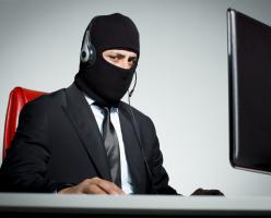Полиция предупреждает о звонках мошенников с Immigration Canada