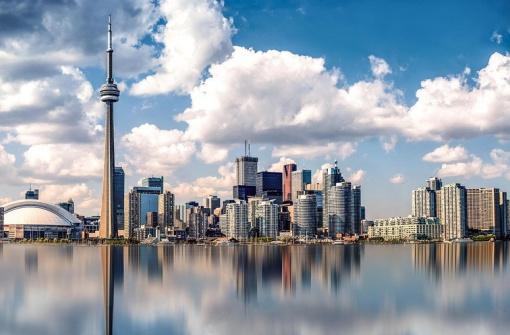 Стоит ли переезжать в Торонто: плюсы и минусы