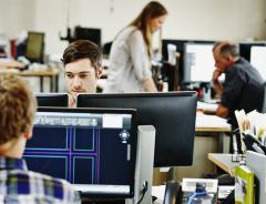 Канадское правительство обещает ускорить процесс иммиграции в Канаду для иностранных работников, которых нанимают компании с технической направленностью