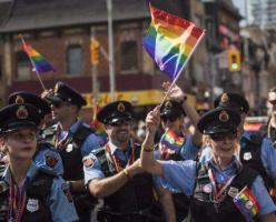 Полиция Ванкувера примет участие в гей параде