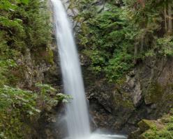 Водопад Каскад (Cascade Falls)