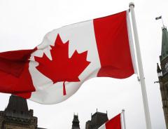 Жительница Канады не может вернуться из Москвы после того, как правительство аннулировало её статус