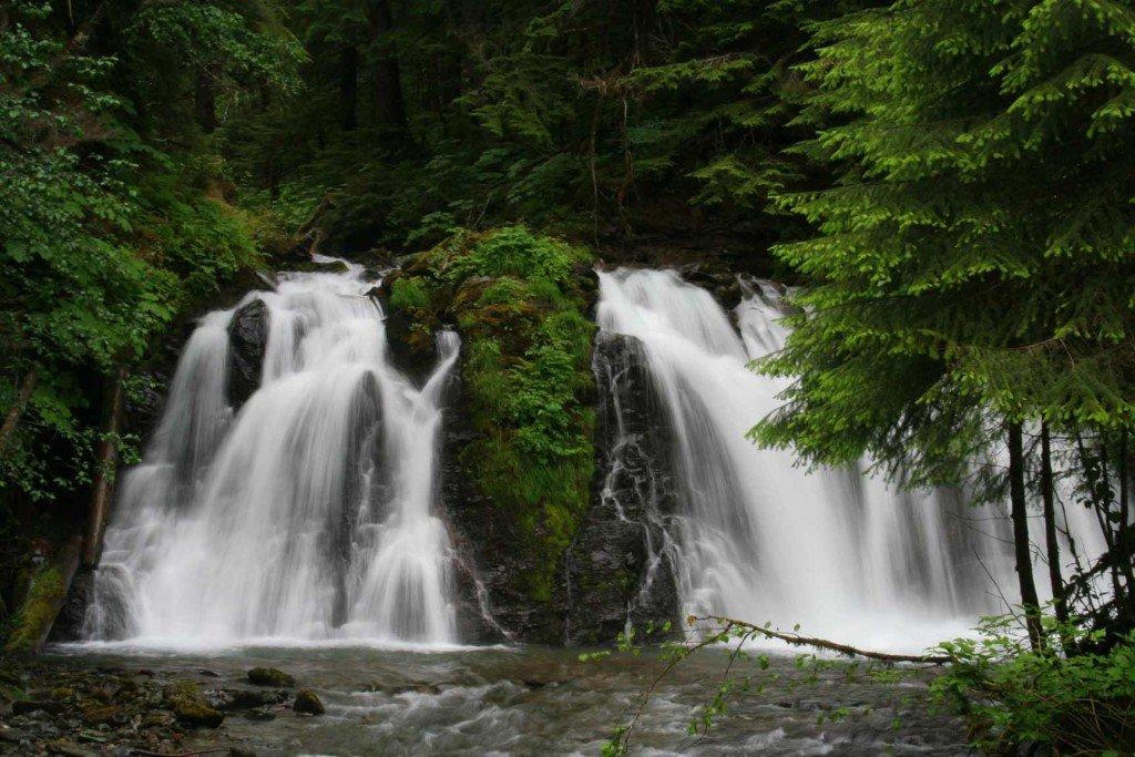 Водопады Голд Крик